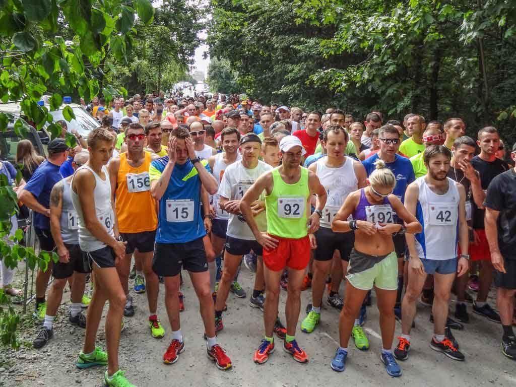 Pomiar czasu RFID na zawodach biegowych w Oławie - zawodnicy