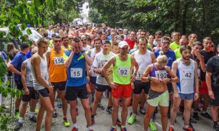 Pomiar czasu na zawodach biegowych w Oławie
